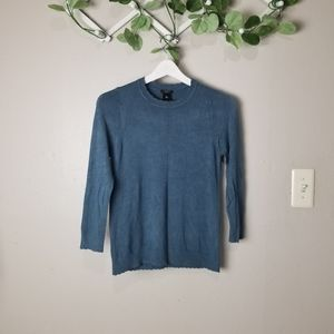 Ann Taylor Petite scaloped pullover sweate…